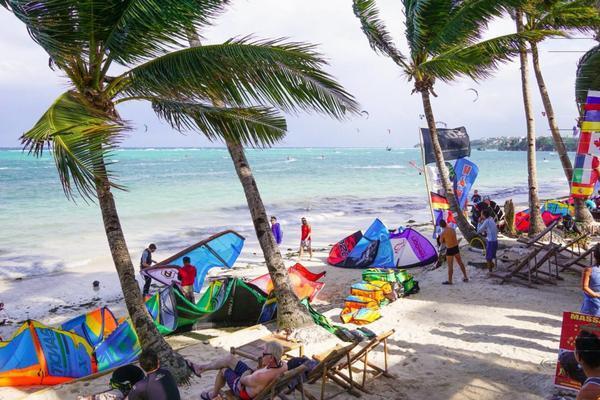 isla kitesurfing - Kiteboarding Asia